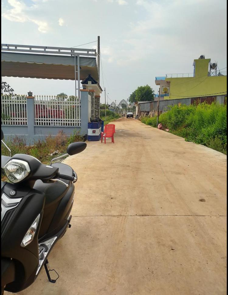 Bán đất phường An Lộc giá 850tr dt 8*27*100tc