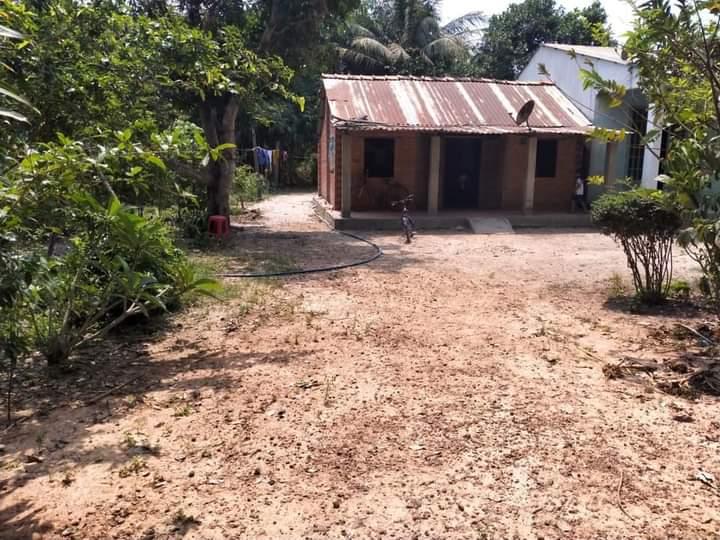 Bán đất có nhà ấp Láng xã Chà Là giá 320tr dt 6×31
